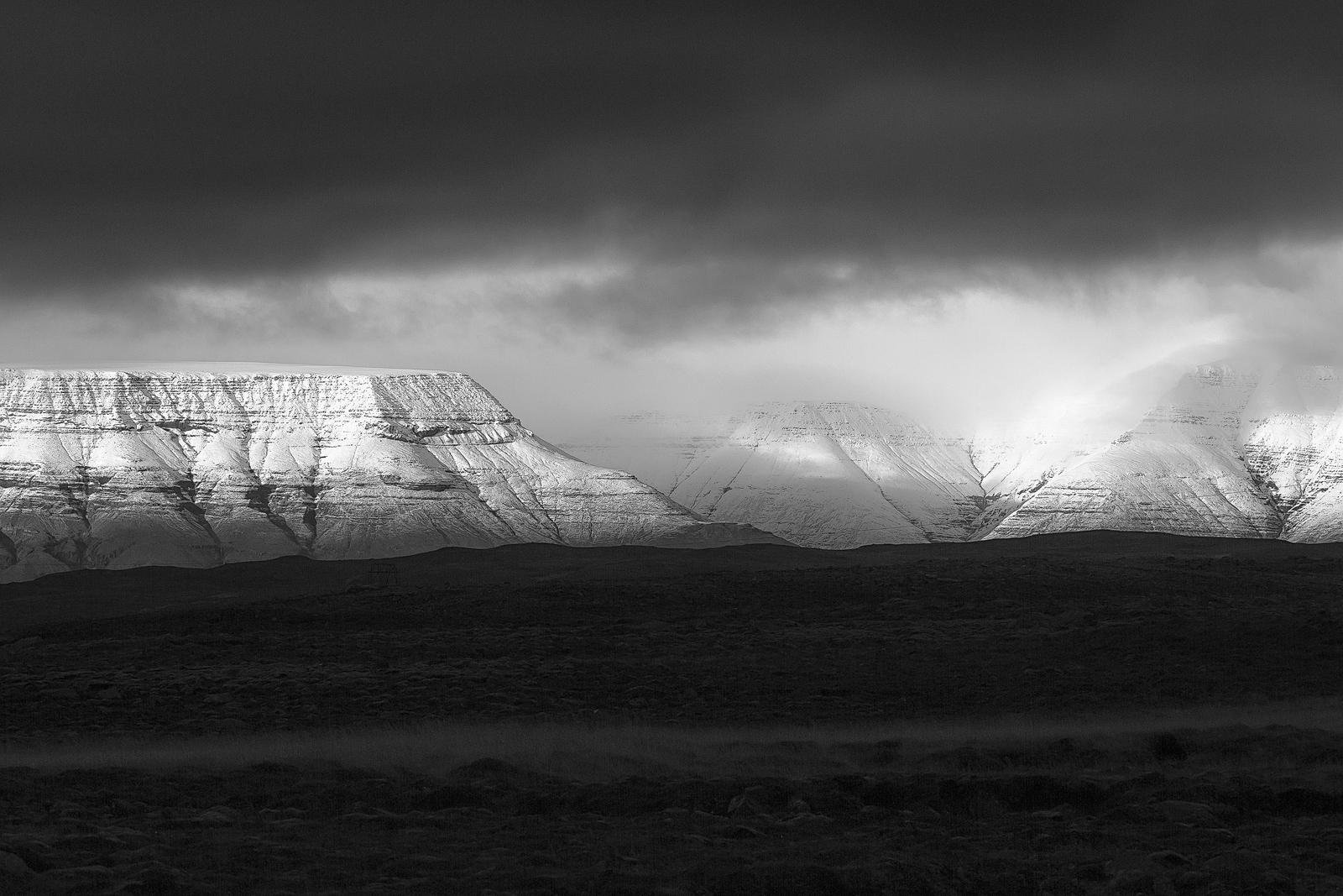 Black & White - Photo 11